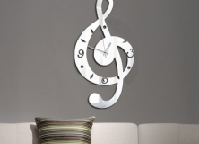 akrilik-lazer-dekoratif-ayna-isim-pleksi-harf-kesim-duvar-nota-saati-modelleri4